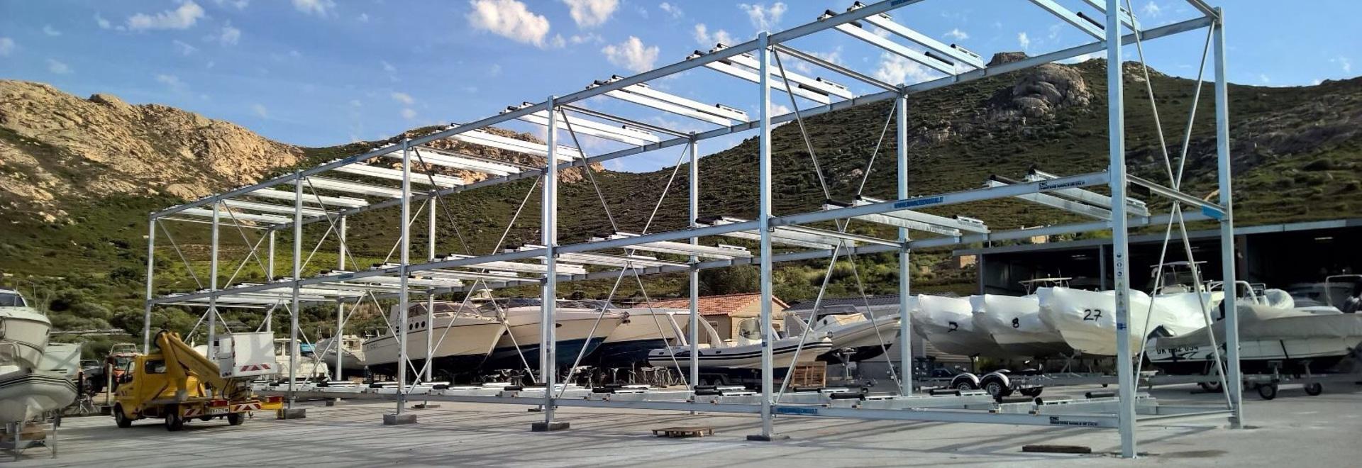 Nuova realizzazione di scaffale per barche in Corsica!