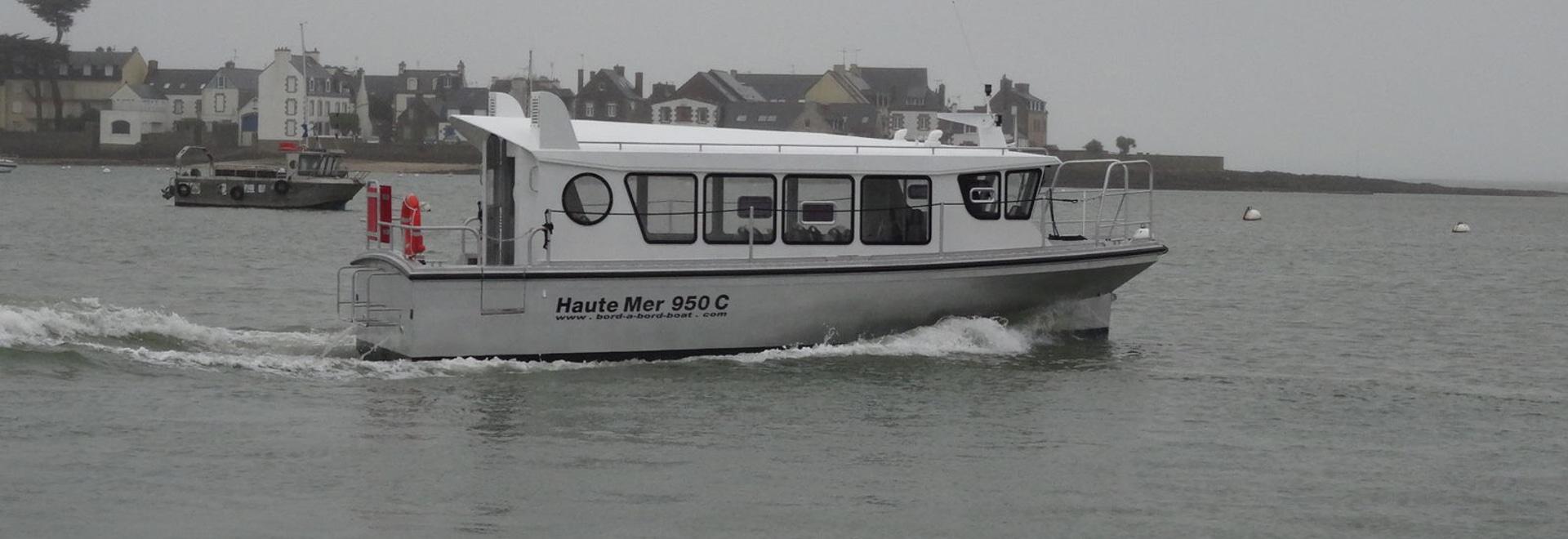 NUOVO: barca facente un giro turistico interna da BORD A BORD