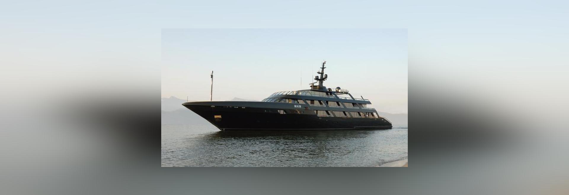 Superyacht Maìn di Codecasa dei 65 tester del Armani
