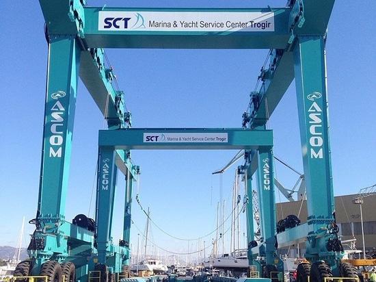 Ascom ora Barca-Solleva e Barca-Rimorchi pronti ed operatore al porticciolo Trogir
