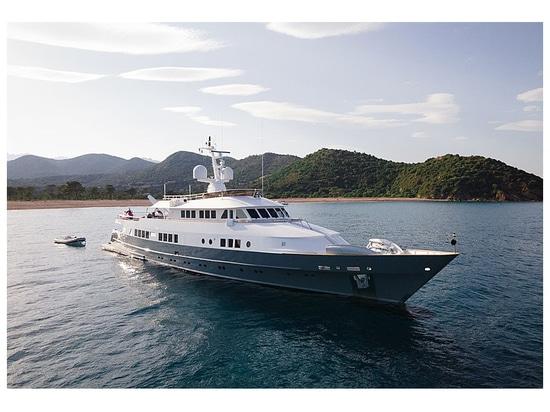 45m Astilleros de Mallorca yacht Berzinc sul mercato
