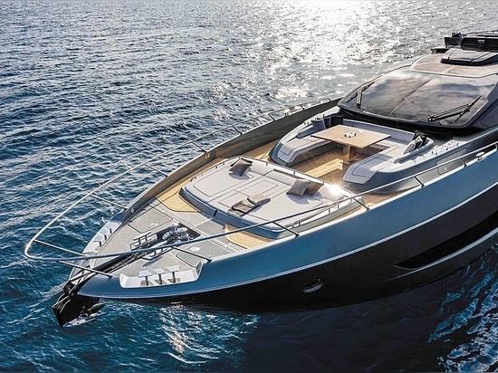 All'interno della Riva Folgore 88: Il nuovo superyacht grigio squalo di 27 metri del Riva