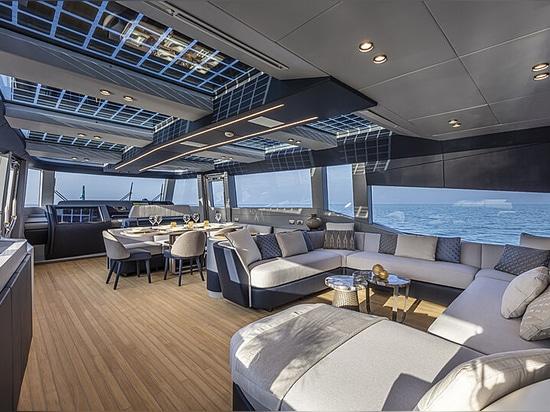 All'interno del nuovo superyacht tascabile Extra 86 Haze