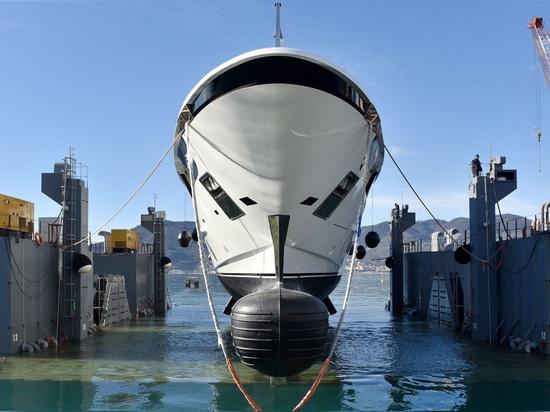 Varato in Italia il quinto superyacht Sanlorenzo 52Steel
