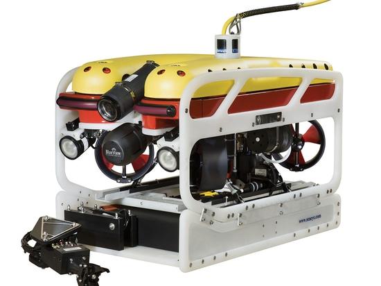 Il Falcon può essere dotato di una serie di telecamere per l'ispezione dettagliata dello scafo e l'esplorazione dei fondali profondi, insieme a strumenti per la manipolazione degli oggetti, il tagl...