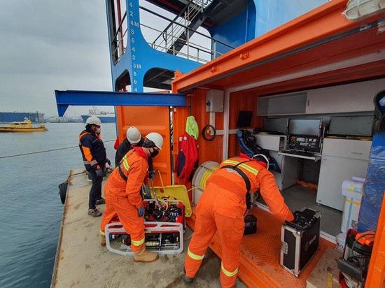 Il team di emergenza di MOST Maritime può distribuire rapidamente il Falcon completo di telecamere e rilevatori multisensore per localizzare un incidente e mettere al sicuro il pericolo.