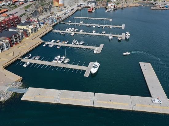 SF Marina rivela un nuovo frangiflutti galleggiante largo dieci metri